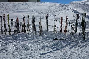 ski-poles-999264_640